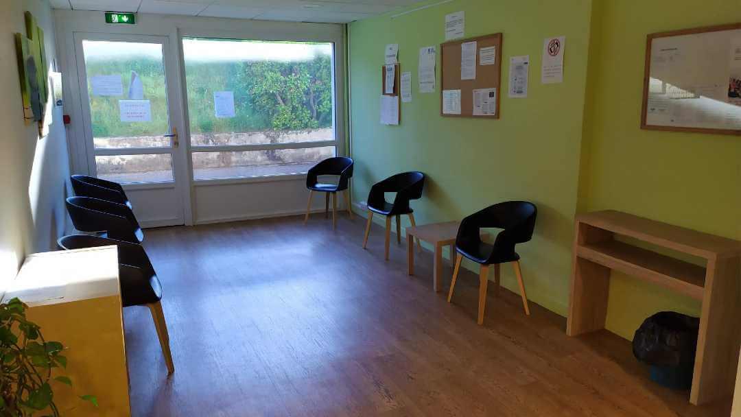 Salle d'attente du cabinet de sophrologie Nathalie Garcia